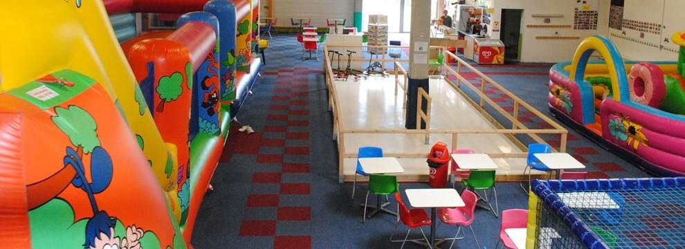 ile aux jeux parcs de loisirs couverts aire de jeux pour enfants ouvert toute l 39 ann e. Black Bedroom Furniture Sets. Home Design Ideas